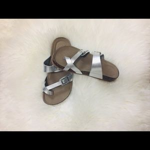 Justice sandals size 2.